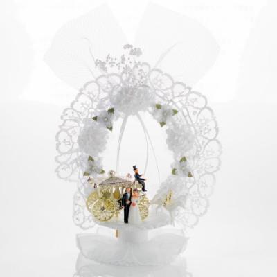 Decorazione sposi con carrozza dorata, base apribile contenuto 2 bebé