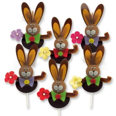 Coniglietti marroni con bastoncino legno